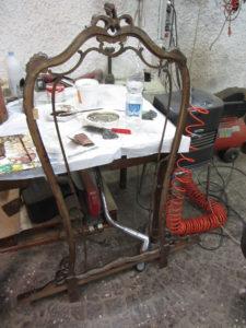 Cornice dello specchio prima del restauro