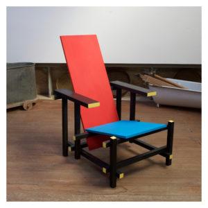 sedia rossa e blu laboratorio artigiano ennio gentile